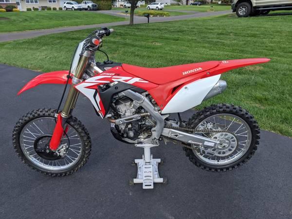 Photo 2018 Honda CRF 250R - $6,200 (Newtown)