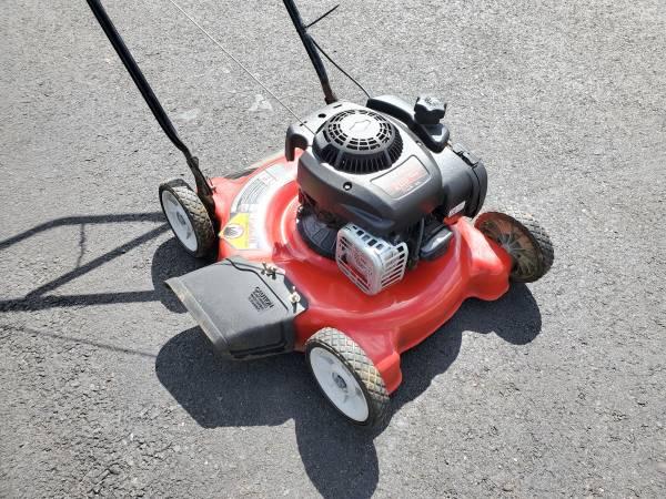 Photo 20quot Yard Machines PUSH Mower - $100 (Bristol PA)