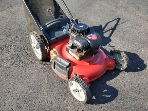 Photo 21quot Yard Machines 5.0 PUSH mower - $120 (Bristol PA)