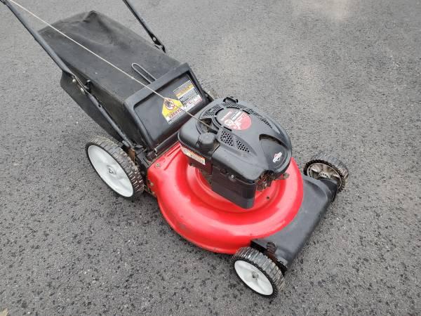 Photo 21quot Yard Machines 6.75 PUSH mower - $140 (Bristol PA)