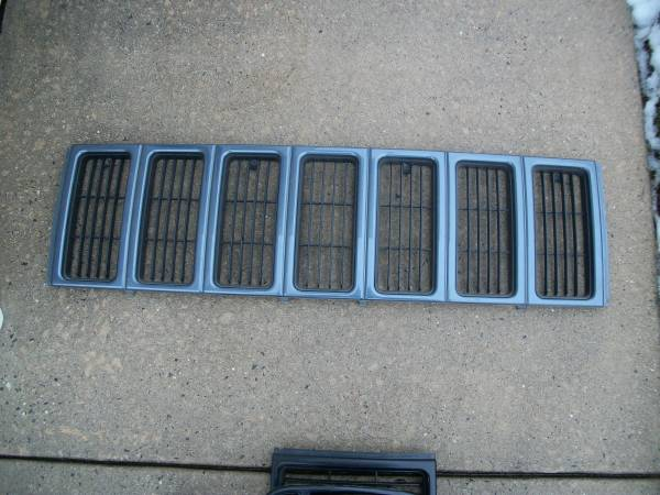 Photo 97-01 JEEP CHEROKEE GRILL, PAINTED GREEN - $10 (MONTCO, PA)