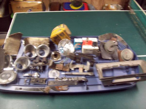 Photo A LOT OF 1958-1972 MISCELLANEOUS CORVETTE PARTS - $300 (RICHBORO)