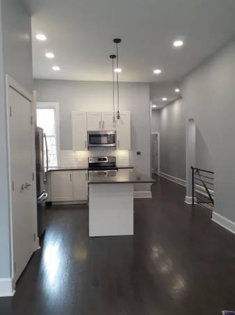 Photo An incomparable union between flair  luxury 3 bed 2 ba bi-level apt (1531 S Broad St gt Passyunk Square gt Newbold)