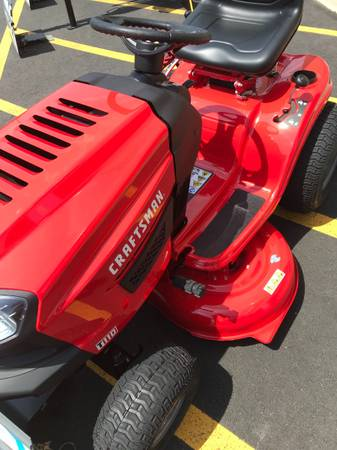Photo Brand New CRAFTSMAN mower 42 inch lawn tractor T110  built 04 21 - $1,200 (Yardly)