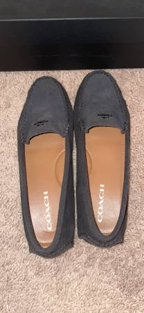 Photo COACH Womens Size 8.5 Black Suede - $40 (Langhorne)
