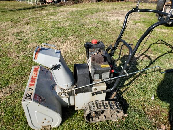 Photo CRAFTSMAN 420 TRACK DRIVE TWO STAGE SNOW BLOWER - $150 (WARMINSTER)