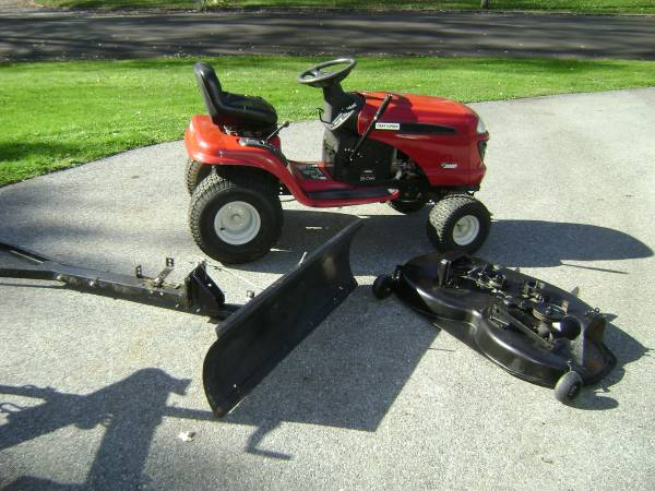 Photo Craftsman LT3000 Tractor Mower With Snow Plow. - $395 (West Chester,Pa)