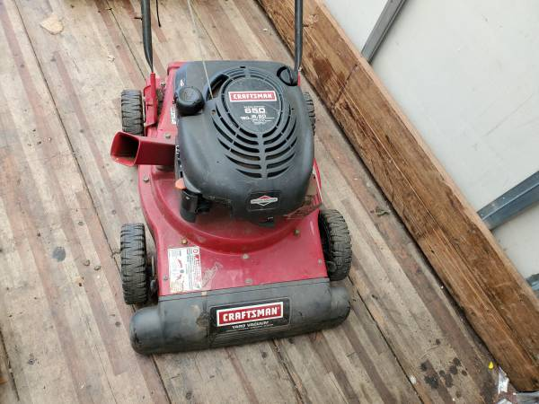 Photo Craftsman Yard vacuum 190cc 6.5 - $170 (Bristol PA)