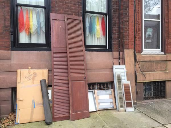 Photo Curb alert-free stuff (Philadelphia)