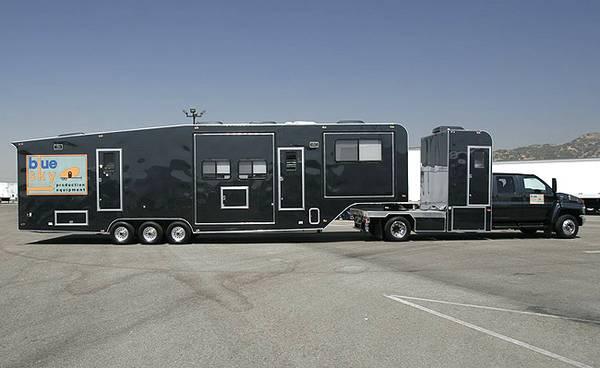 Photo Custom Built Production motorhome and trailer for sale - $89,000 (Philadelphia)