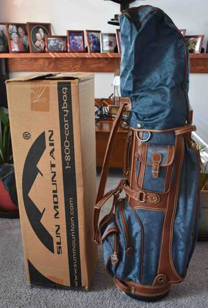 Photo Daiwa Women39s Blue  Leather Embroidered Golf Bag - $90 (Hatfield)