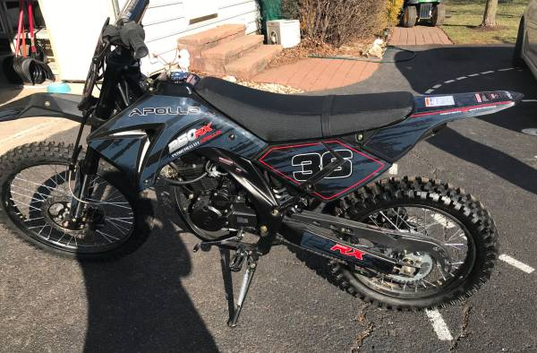 Photo Dirt bike BRAND NEW 250cc - $1,300 (King of Prussia)