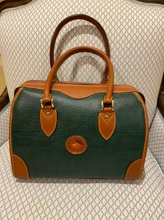 Photo Dooney and Bourke Purse - $20 (Society hill)
