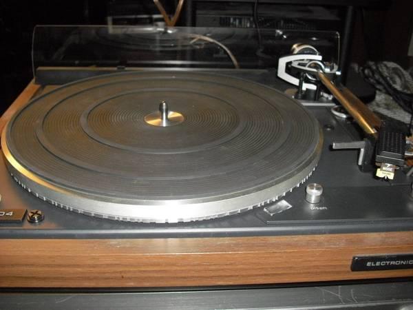 Photo Dual 704 turntable - $295 (philadelphia)