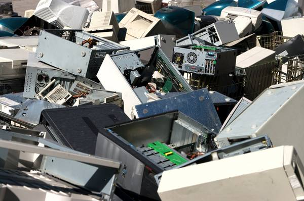 Photo Electrical Recycling, Will pick up (Philadelphia)