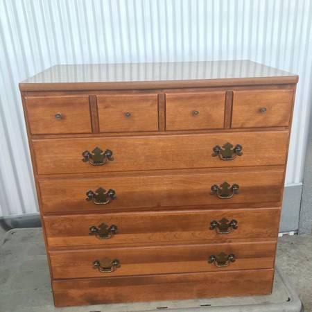 Photo Ethan Allen American Traditional Solid Maple 3 Drawer Dresser Ethan Allen Dresse - $250 (Bala Cynwyd)