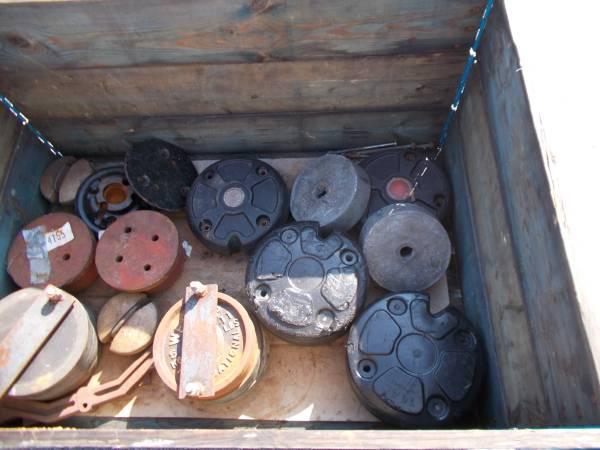 Photo Garden Tractor Wheel Weights 1239 - $75 (malvern)