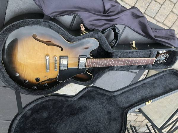 Photo Gibson ES-335 USA, 2006 - $2,275 (West Chester)