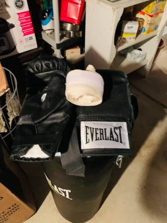 Photo Heavy Bag with stand - $150 (Jenkintown)