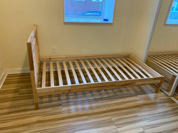 Photo IKEA Twin Bed (Philadelphia)