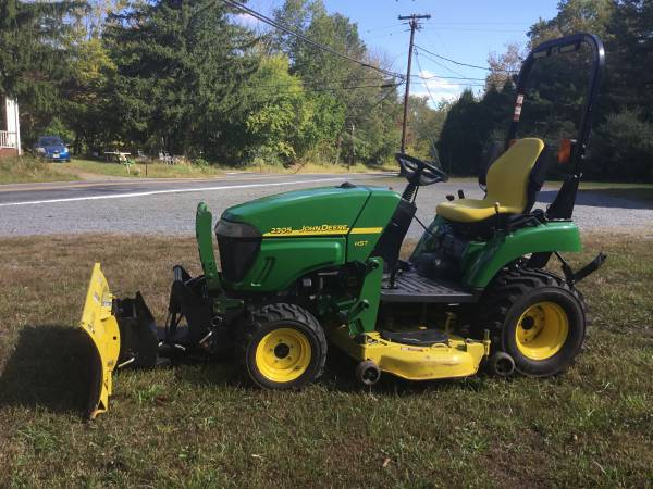 Photo JOHN DEERE 2305 Tractor Mower 4x4 Snow Plow - $9,799 (Hopewell)