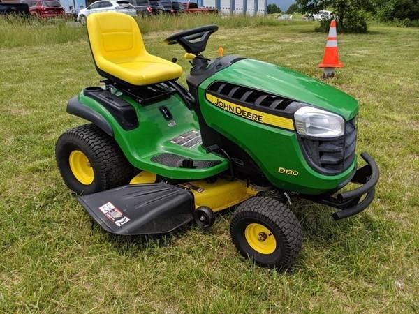 Photo John Deere D130 Lawn Tractor - $1,200 (Barto, Pa.)