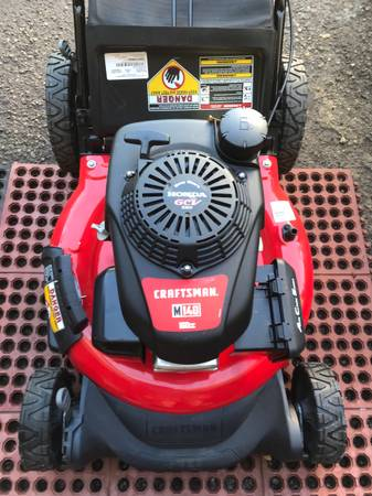 Photo Never used new M140 Craftsman lawn mower Honda engine with bag - $245 (Fairless hills)