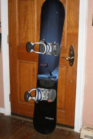 Photo OXYGEN 159cm Snowboard with Ride Bindings - $130 (Wayne, Pa)