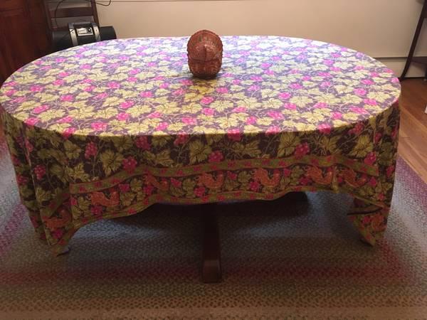 Photo Pottery Barn Dining Room Table - $250 (Malvern)