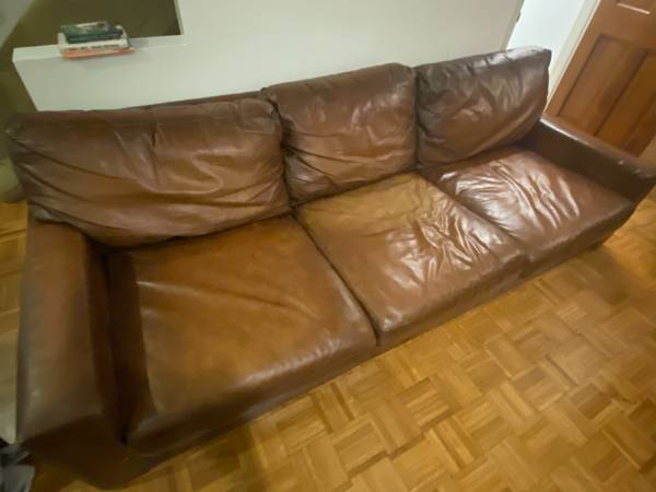 Photo Pottery Barn Turner Square Arm Leather Sofa - $500 (Graduate Hospital)