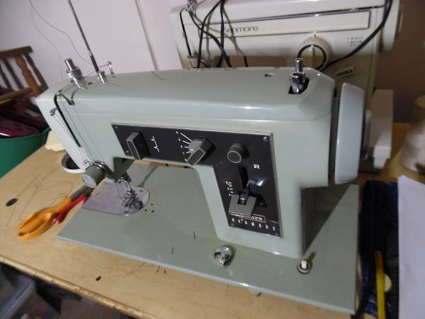 Photo SEWING MACHINE, KENMORE ZIG-ZAG - $90 (West Chester)