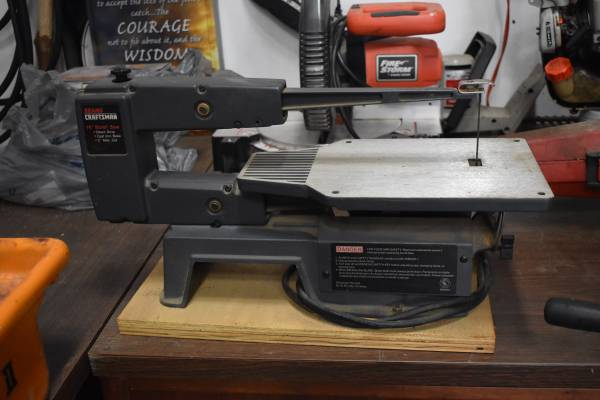 Photo Sears Craftsman 16quot Scroll Saw Direct Drive Cast Iron Base 2quot Max Cut - $75 (HATFIELD)