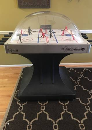 Photo Shelti Slapshot Bubble Dome Hockey - $300 (Exton)