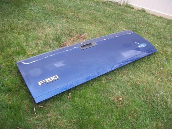 Photo TAILGATE. 97-03 FORD F150  97-99 FORD SUPER DUTY (DARK BLUE) - $100 (MONTCO, PA)
