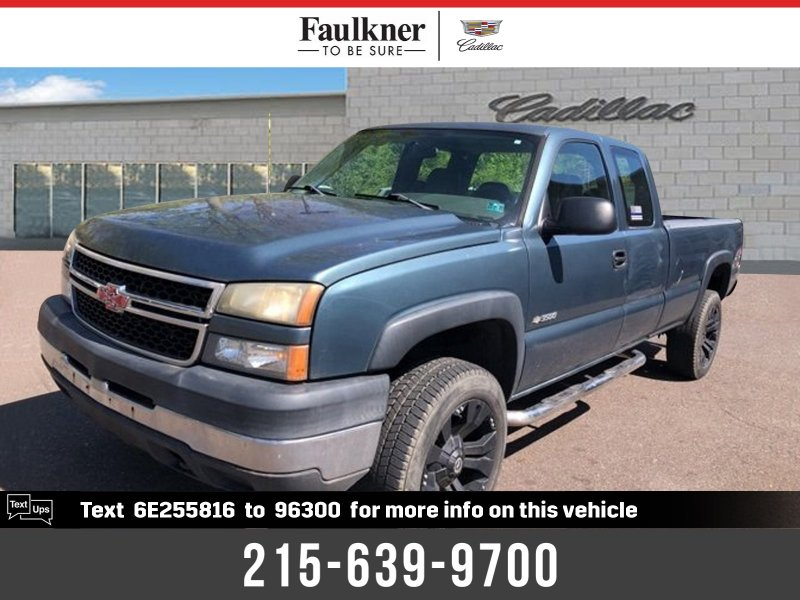 Photo Used 2006 Chevrolet Silverado 3500 4x4 Extended Cab for sale