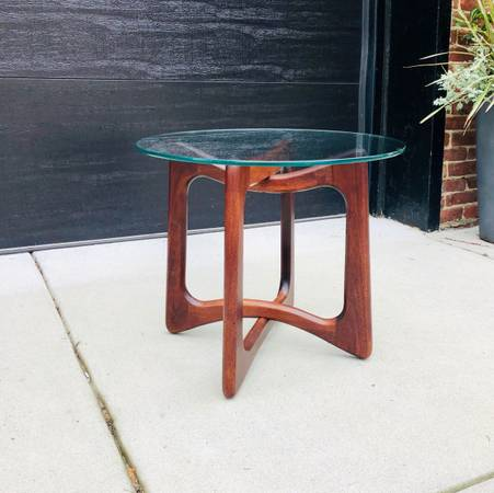 Photo Vintage Adrian Pearsall End TableSide Table - $850