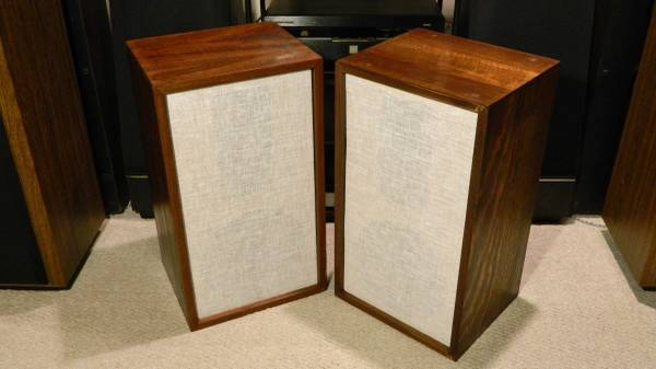Photo Vintage Fully-Restored Pair of Acoustic Research AR-2 Speakers - $495 (Macungie)