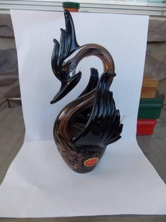 Photo Vintage Murano Glass Black Swan 24K Bell Glass - $15 (Morrisville, Pa)