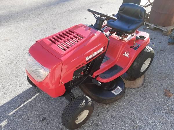 Photo Yard Machines Riding Mower 13.5 hp 42quot - $400 (Malvern)