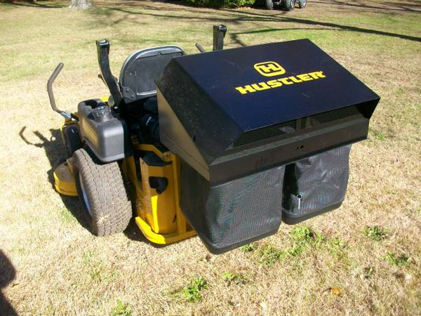Photo Zero Turn Mower Grass Catcher 2 Bagger Vacuum Blower Leaf Vac - $1200 (south jersey)