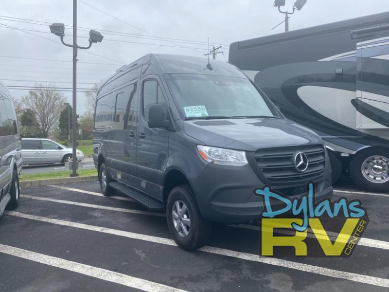 Photo 2021 Alpine Vans Summit 4x4 $119988