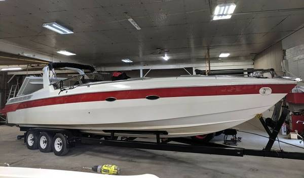 Photo SUPER CLEAN  1988 Wellcraft 34 SCARAB III  Only 400 HRS  - $20700 ( PA )