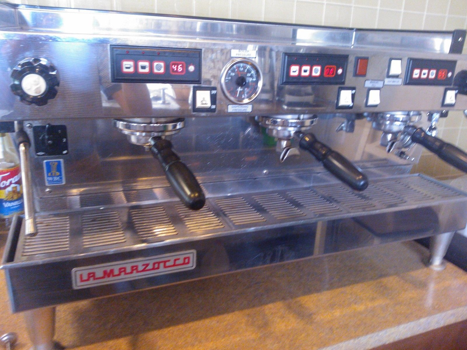 Photo La Marzocco Espresso Machine LINEA 3AV with Italian RMP Pump
