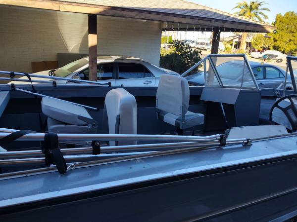Photo 18 ft Starcraft alum open boat 80 hp mercury outboard n trailer - $4,800 (Phoenix)