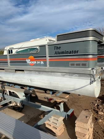 Photo 1986 Sun Tracker 24 ft Party Barge - $2,900 (Mesa)