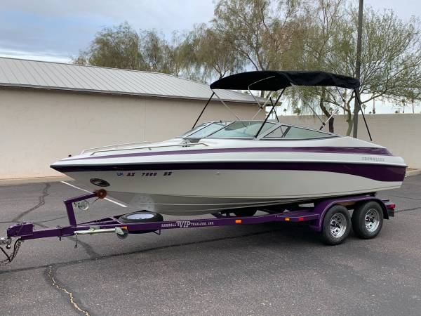 Photo 2001 CROWNLINE 202BR BOAT V8 225 HOURS 10 SPEAKERS EXTRA CLEAN - $20,000 (CHANDLER)