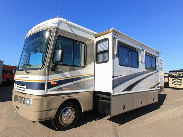 Photo 2004 FLEETWOOD BOUNDER 32W CLASS A MOTOR HOME  2 SLIDES  - $34500 (WEST VALLEY)