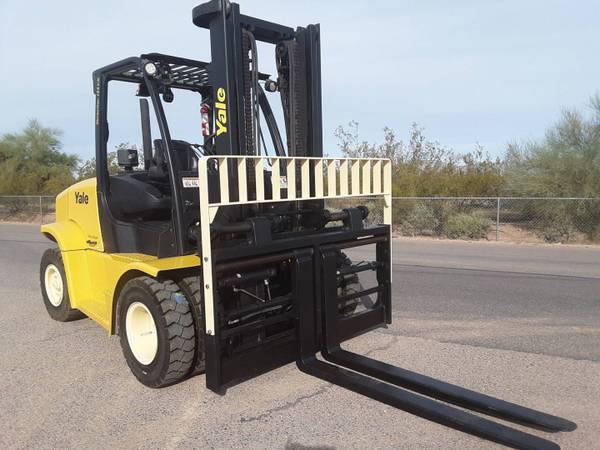 Photo 2013 Yale Forklift Pneumatic Tire 4 Wheel Sit Down Two Stage (Phoenix)