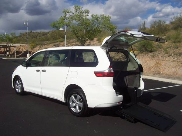 Photo 2016 Toyota Sienna Wheelchair Handicap Mobility Van BEST PRICE FREE SH - $27500
