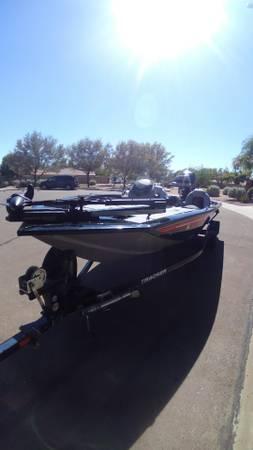 Photo 2016 Tracker Pro 190 TX Team Bass Boat - $17,000 (Peoria)